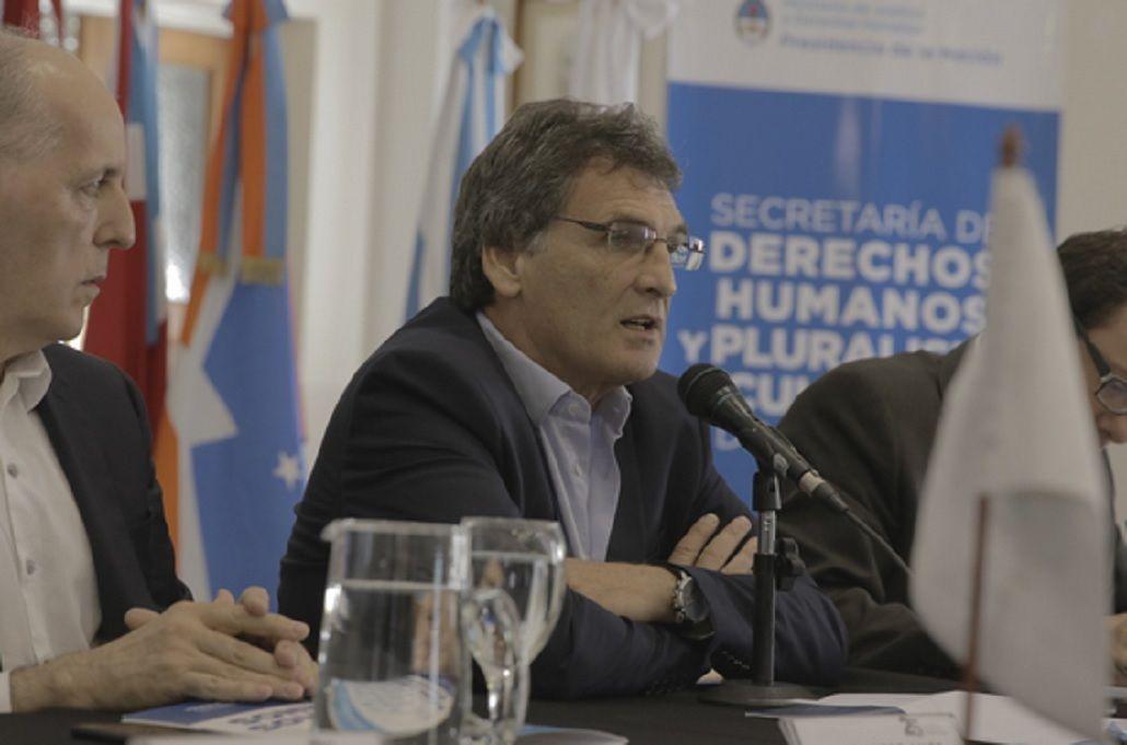 El Gobierno se despegó de Gómez Centurión por sus dichos sobre la dictadura<br>
