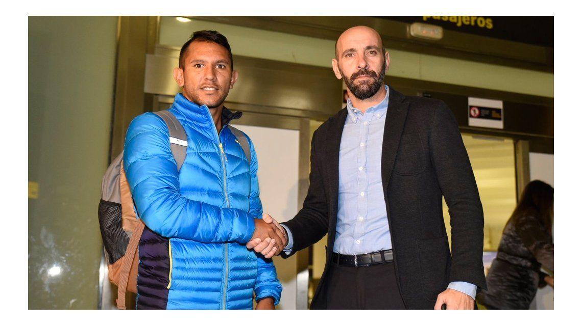 Montoya llegó a Sevilla: ¿vuelve a Rosario o se queda en España?