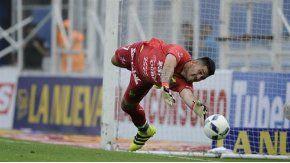 Rossi va a jugar en Boca pero en junio, dijo el presidente de Defensa