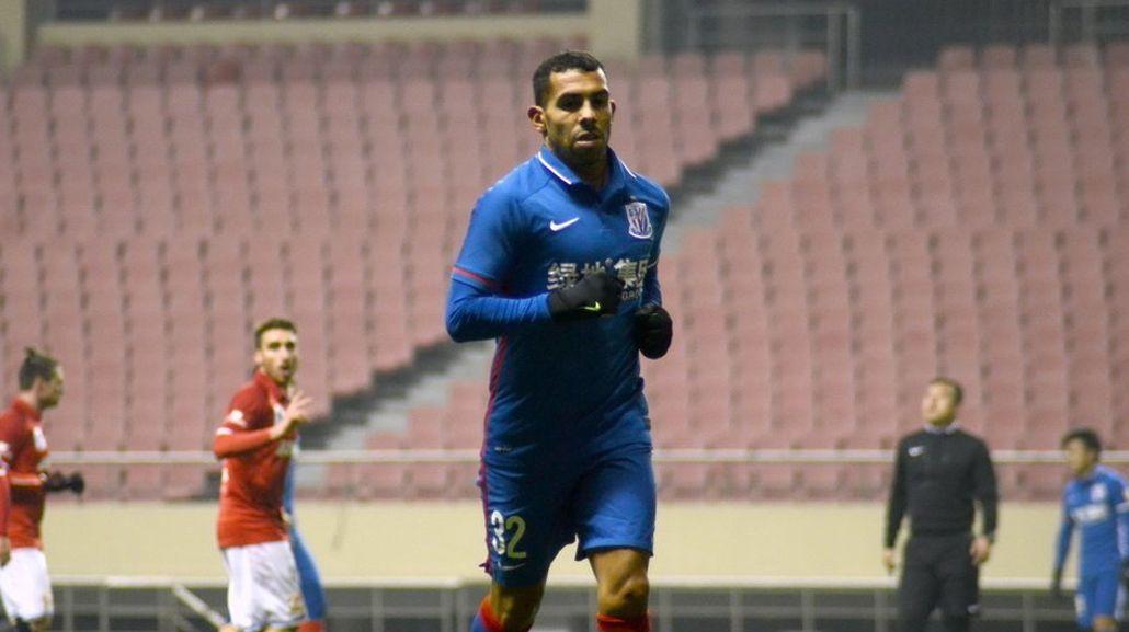 Tevez metió su primer gol con la camiseta del Shanghai Shenhua