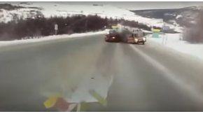 Choque entre un auto y una ambulancia
