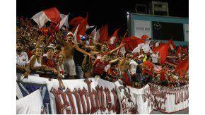 La hinchada de Independiente en el estadio José María Minella de Mar del Plata