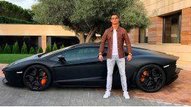 El Lamborghini fue un regalo por los 27 años del portugués