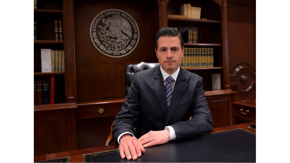 Enrique Peña Nieto hablando a su país en un mensaje televisado