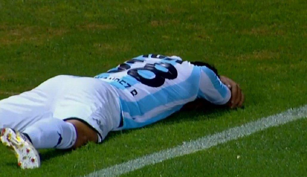 Brian Fernández se tira al suelo tras celebrar su gol