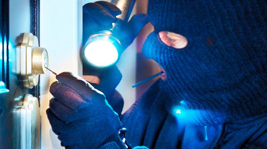 Los ladrones aprovechan las casas vacías