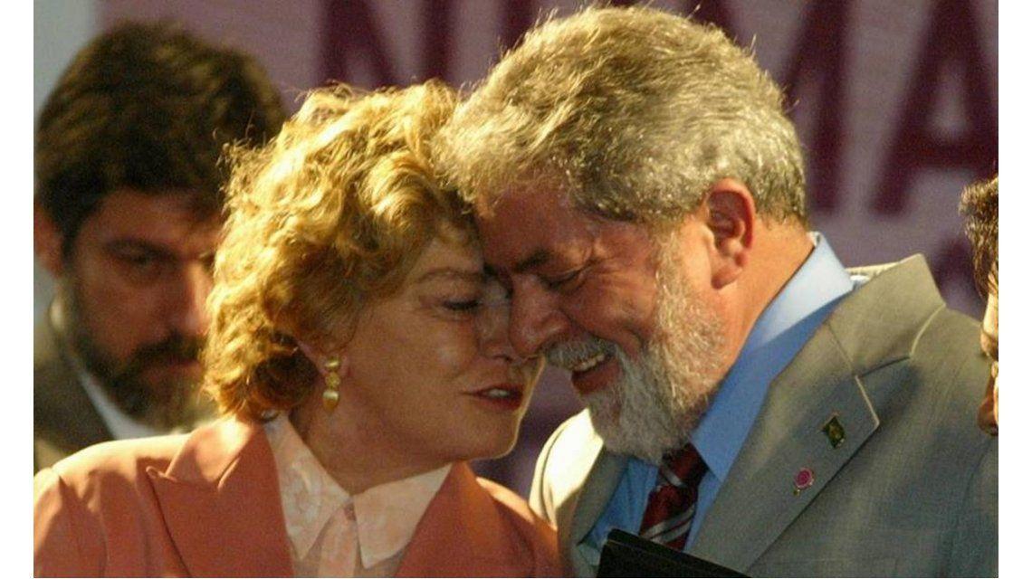 Hospitalizan a la esposa de Lula por una hemorragia cerebral