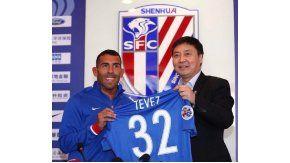 Presentación de Tevez en el Shanghai Shenhua - Crédito: @shanghaishenhua