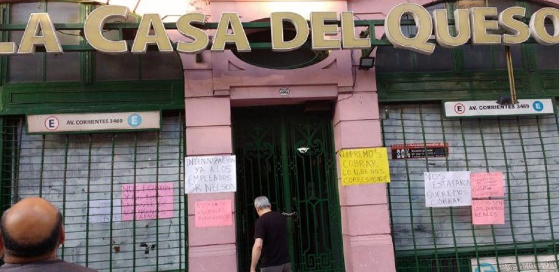 Cerró La Casa del Queso y los empleados tomaron el restaurante