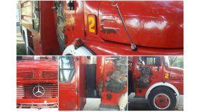 Autobomba de los Bomberos Voluntarios de Merlo que resultó atacada