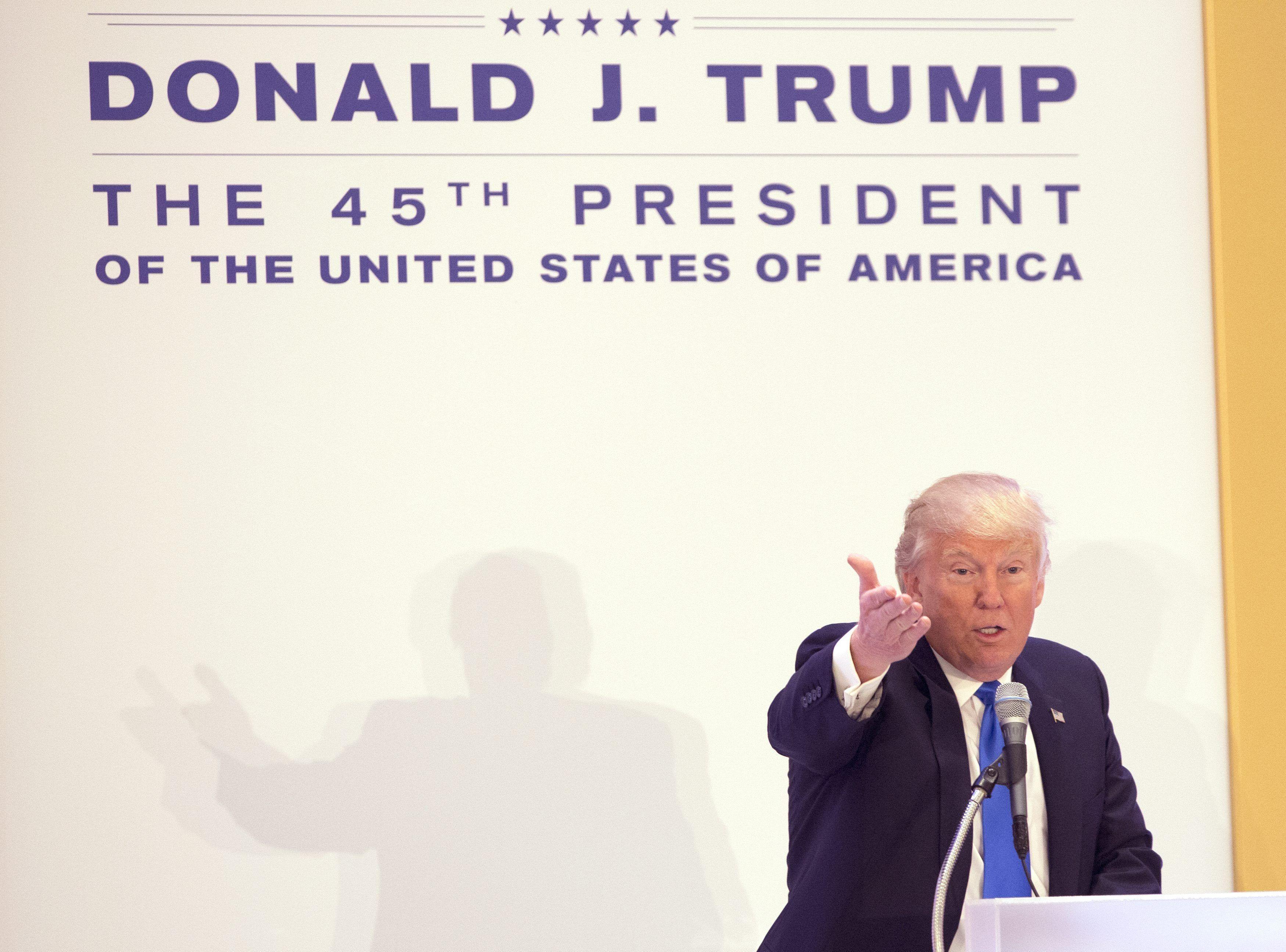 Donald Trump le habla a los republicanos horas antes de asumir