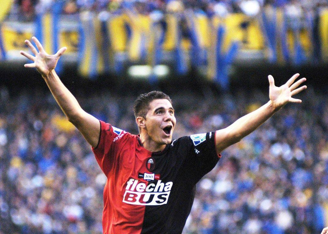 Bichi Fuertes celebrando un gol en la Bombonera