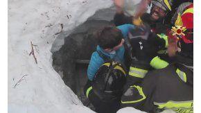 Ascienden a ocho los sobrevivientes de la avalancha en un hotel de Italia