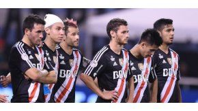 Desazón de los futbolistas de River tras caer en los penales ante San Pablo