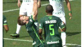 Grolli convirtió el primer gol del nuevo Chapecoense