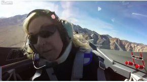 Una mujer se desmaya mientras disfrutaba de un vuelo