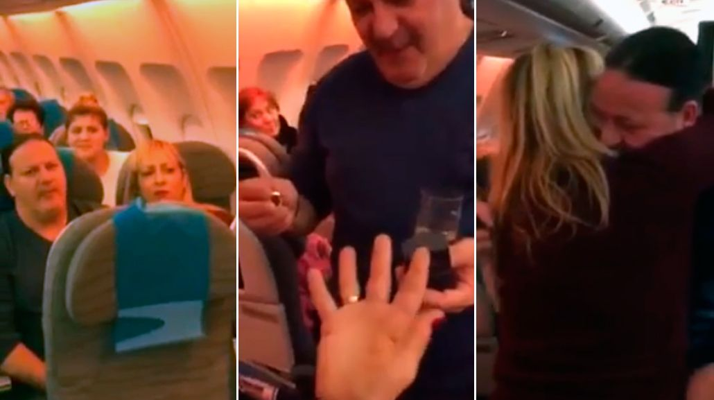 Le propuso casamiento a su pareja en pleno vuelo