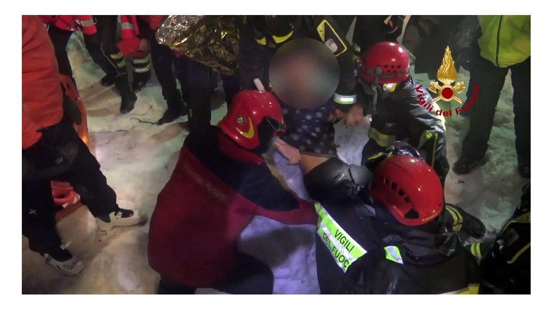 Rescataron a cuatro sobrevivientes delRigopiano