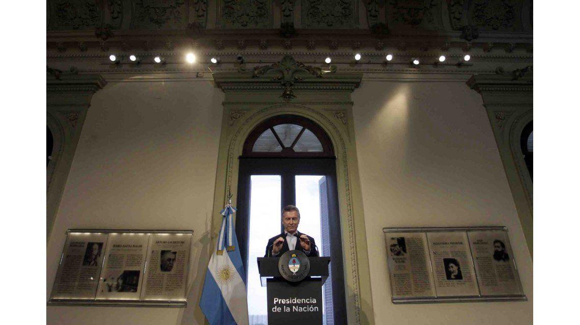 La primera conferencia de prensa de Macri en 2017