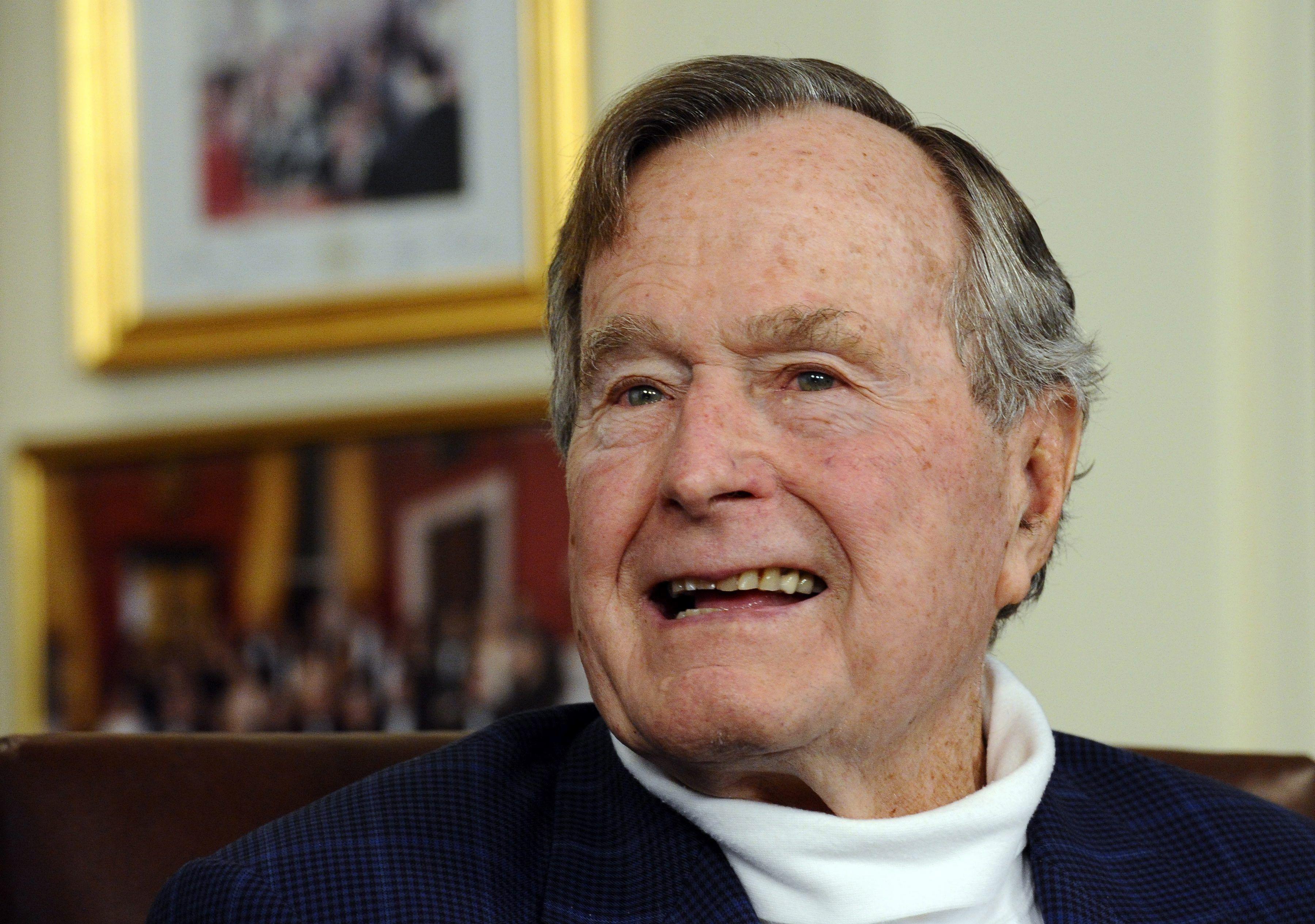 George H. W. Bush tiene 92 años