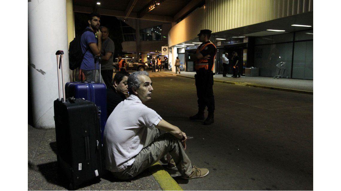 Susto entre pasajeros por el incendio en el Aeroparque Metropolitano Jorge Newbery