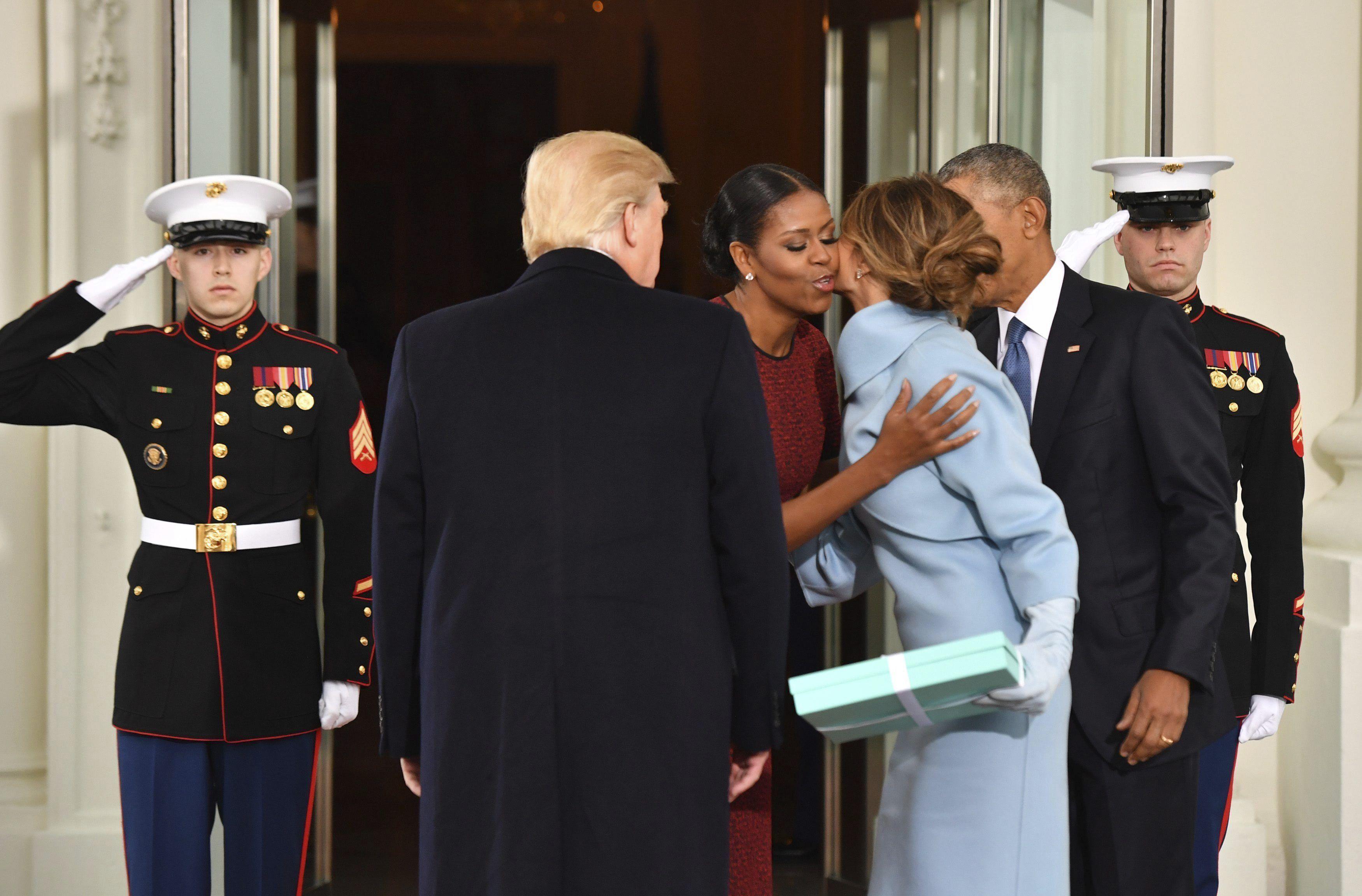 El saludos de Michelle y Melania