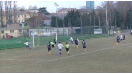Tras pasar a seis rivales, Francesco Barranca metió un golazo en Italia