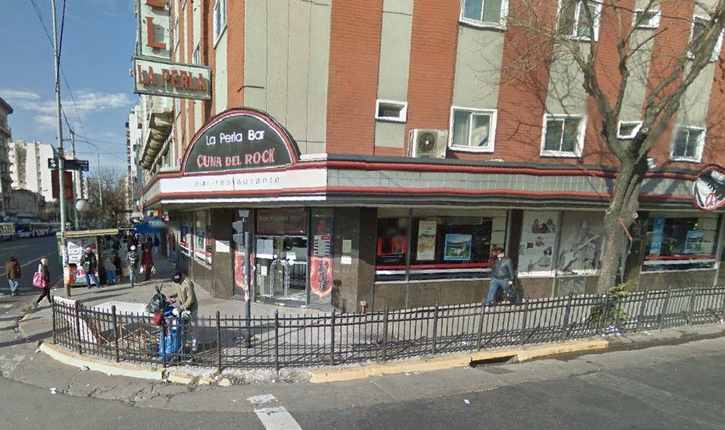 Está ubicado en la esquina de Rivadavia y Jujuy