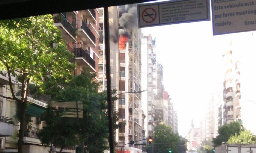 Incendio en Córdoba y Pueyrredón