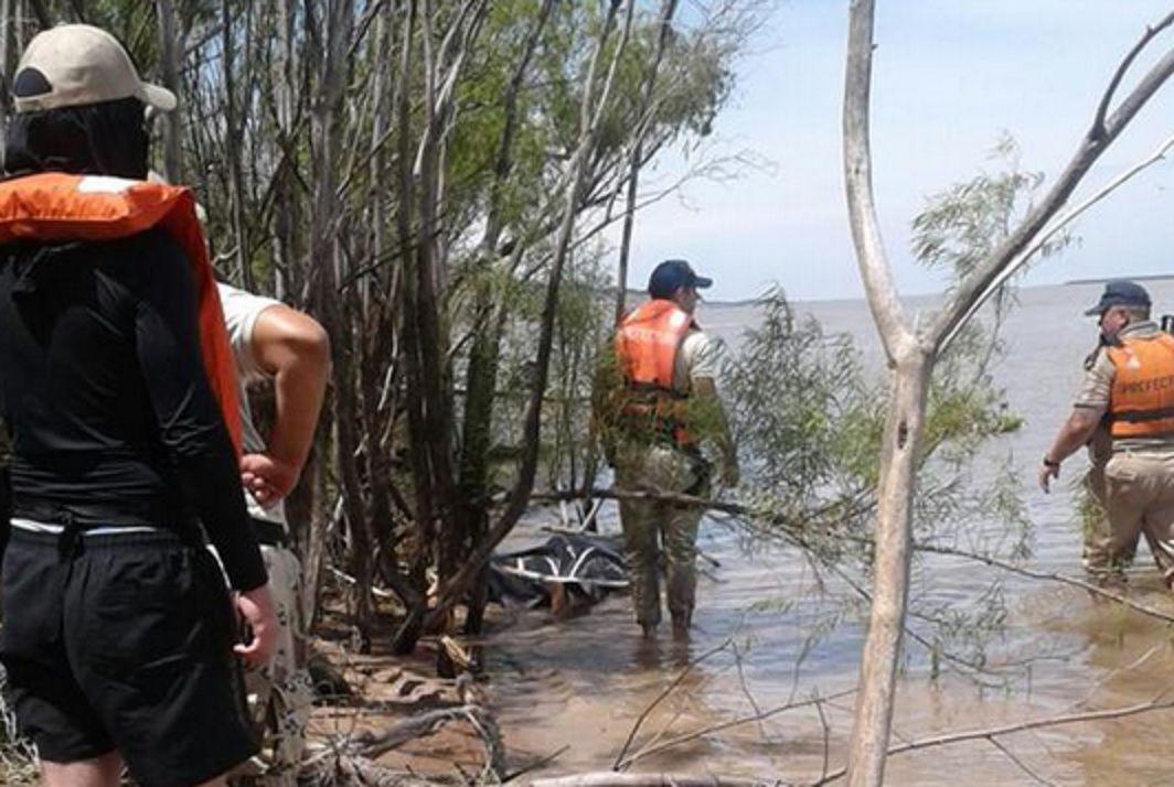 Encontraron dos cuerpos y restos de la lancha
