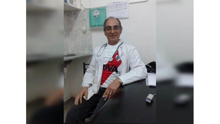 Un médico lleva 33 días de guardia