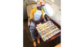 Mayweather pide 100 millones de dólares