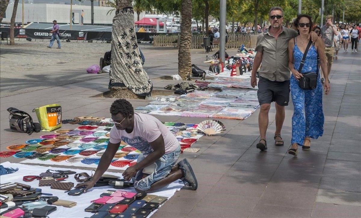 Top Manta les dicen a los manteros de Barcelona que fueron recibidos por el Papa Francisco
