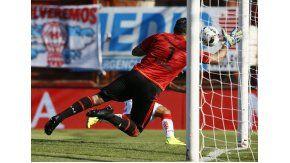 Se cayeron las negociaciones por Andújar y Boca va por un tapado
