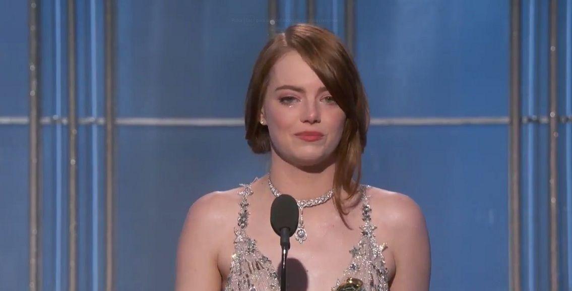 Emma Stone en los Globos de Oro - Crédito:@goldenglobes