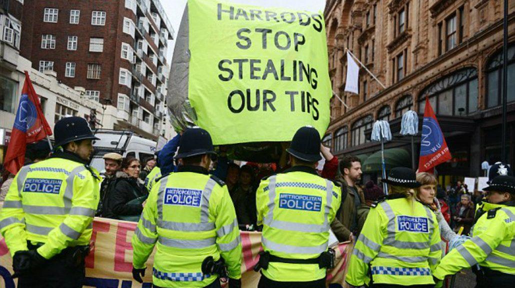 Dejen de robar nuestras propinas
