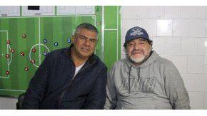 Maradona apoya a Tapia