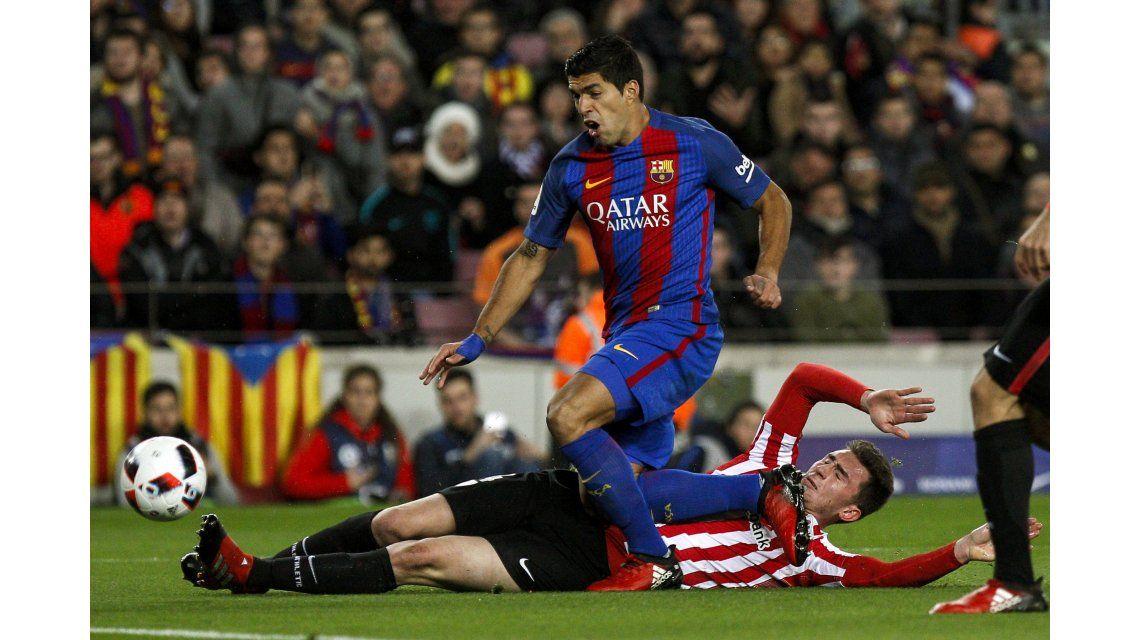 Suárez marcó el primer gol del Barcelona ante el Athletic Bilbao