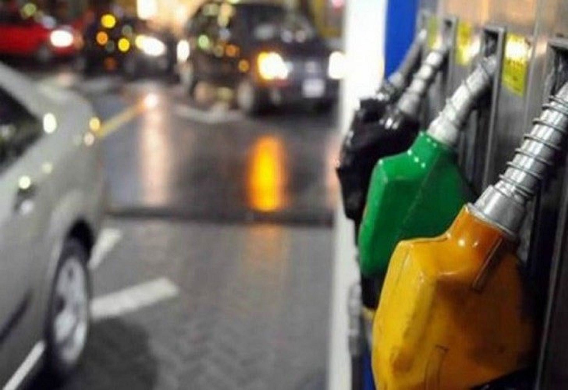 Faltan naftas en algunas estaciones de servicios<br>