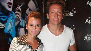 Así llegaba Nico Vázquez con su flamante esposa al teatro Apolo de Mar del Plata