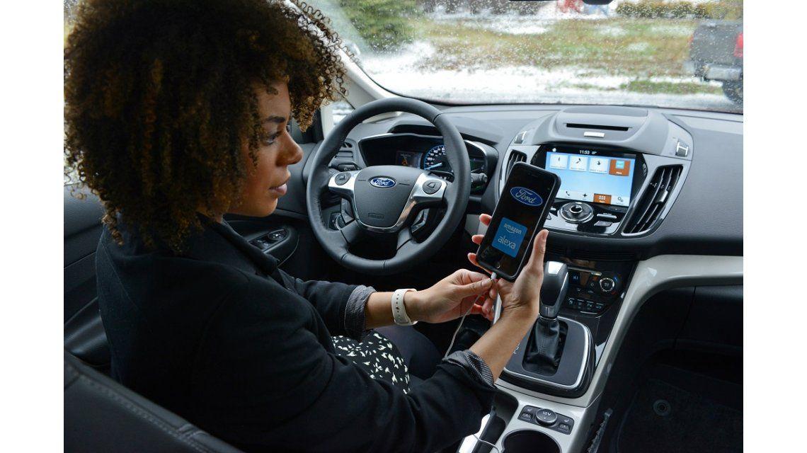Ford se une con Amazon y agrega un asistente de voz a sus vehículos