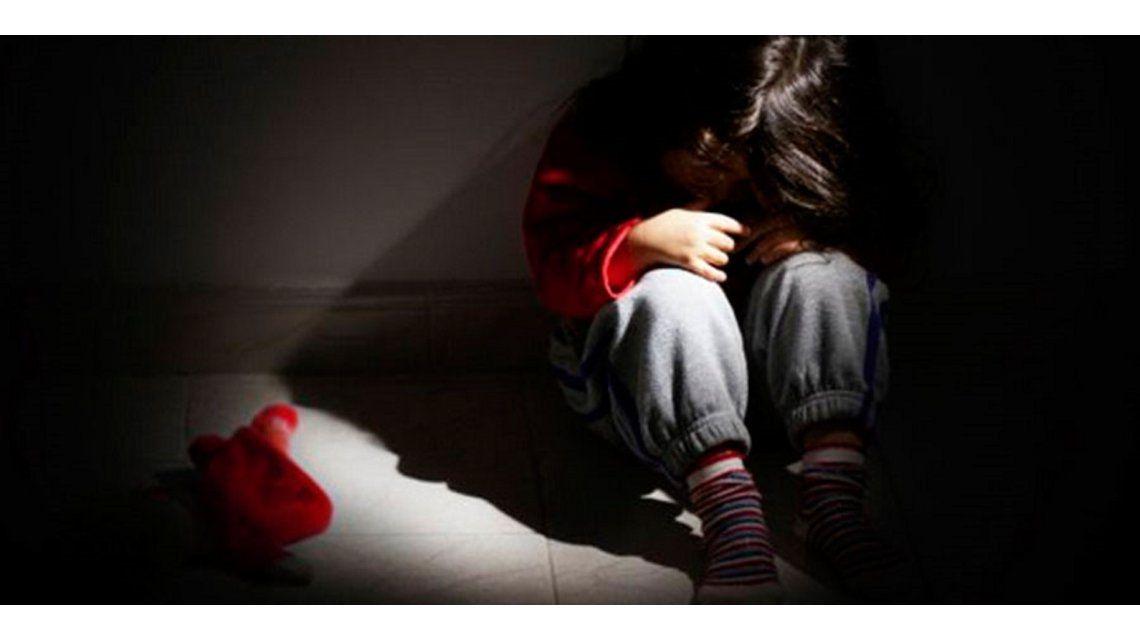 Una madre permitía que su pareja abusara de su hija