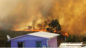 Decenas de personas fueron evacuadas de sus hogares