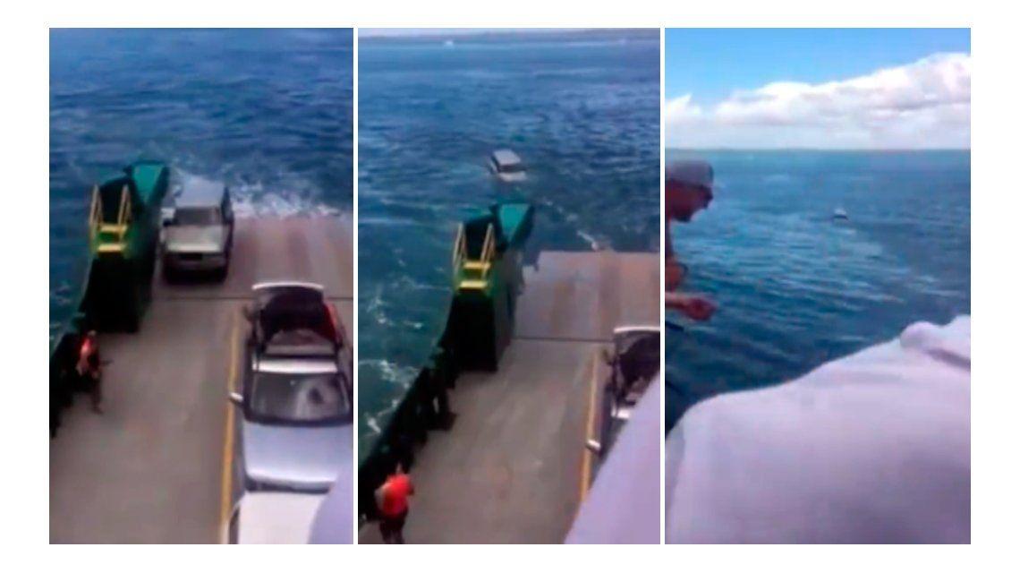 Un auto se cayó de un barco al mar