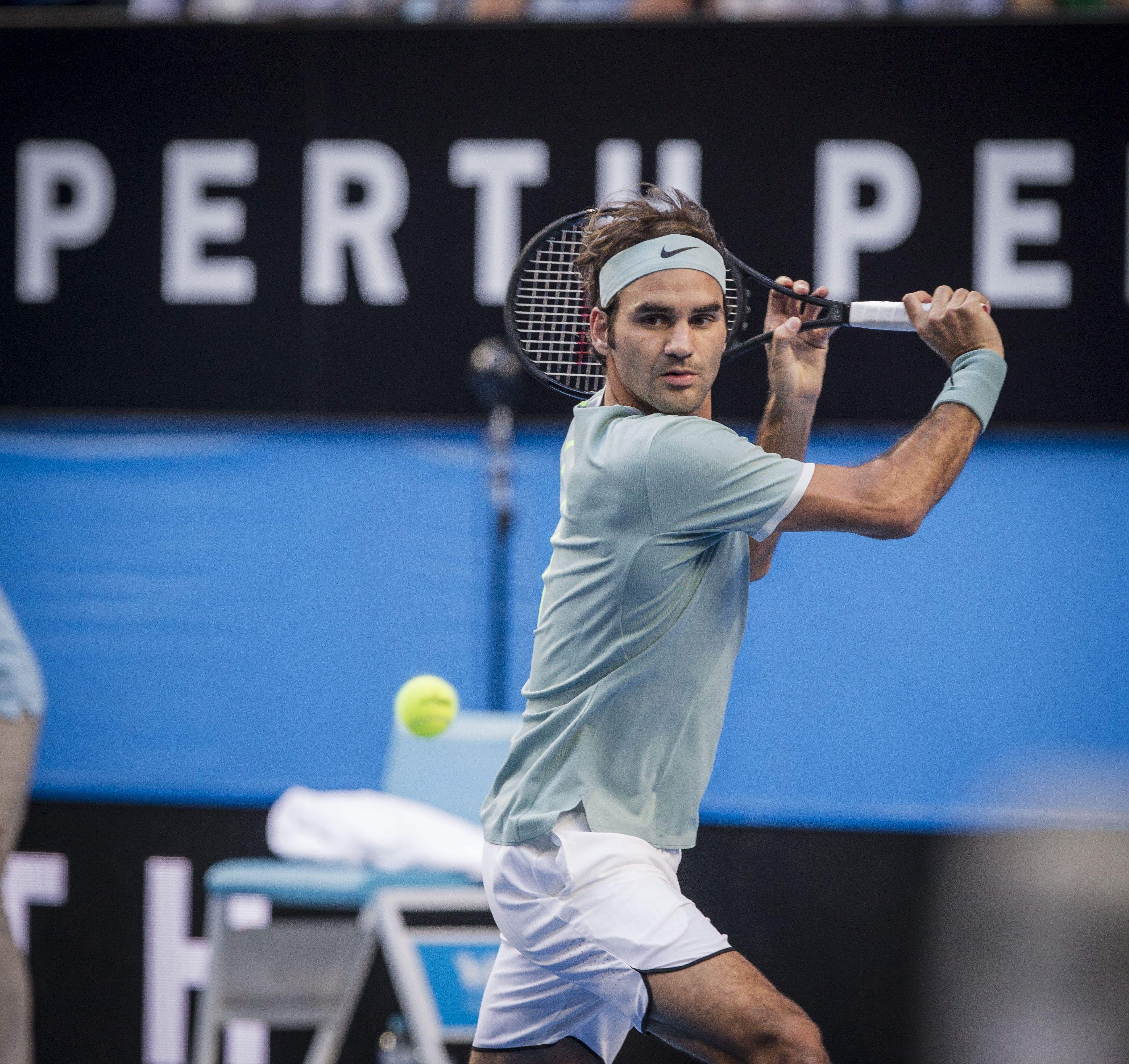 Federer no tuvo problemas en su regreso al circuito