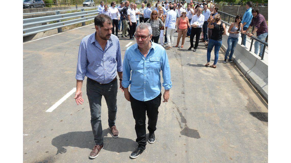 Julio Zamora inauguró la ampliación integral del tercer carril del camino Banacalari-Benavídez.