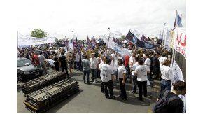Los gremios protestaron en la audiencia pública
