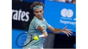 Federer volvió a las canchas con un triunfo
