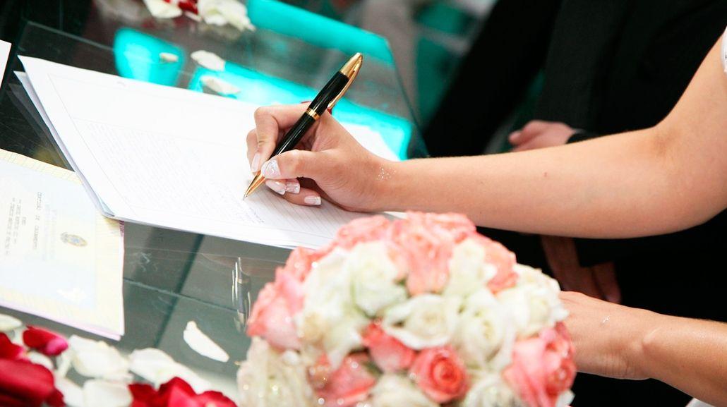 La justicia autorizó a que una mujer se case con su hijastro