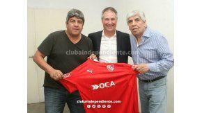 Holan, junto a Pablo y Hugo Moyano